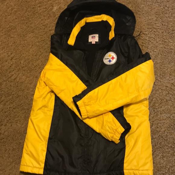 Womens Steelers Winter Coat-L. M 5c3cef6d5c4452c9402d9562 8b56431a2
